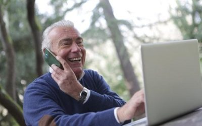 How to Help Senior Loved Ones Connect Through Technology